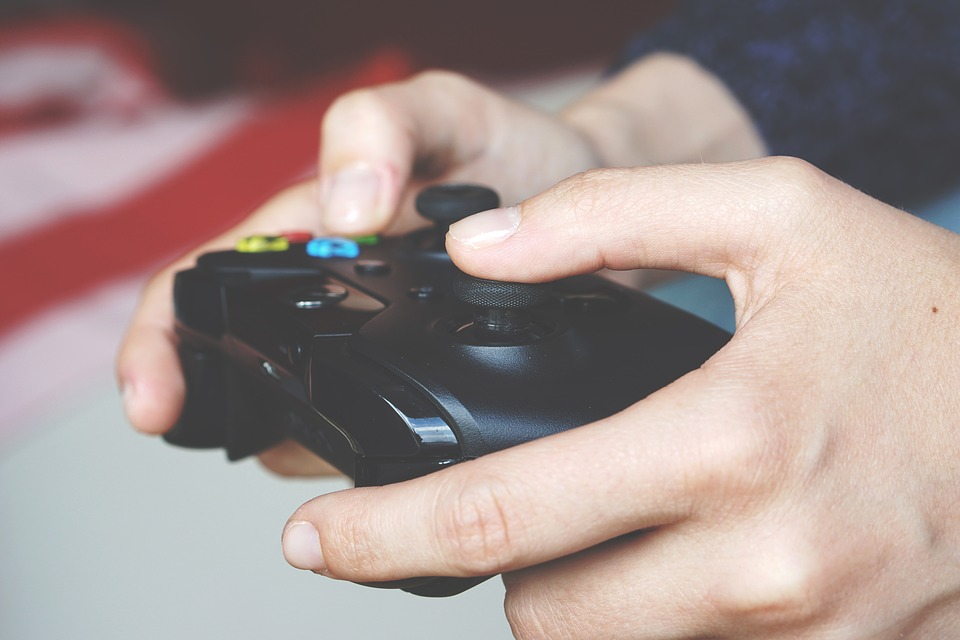 Kontroler konsoli Xbox, czy podobnie będzie wyglądał dla Xbox Scarlett?